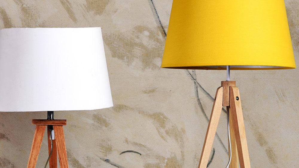 lampade da salotto bianche e gialle