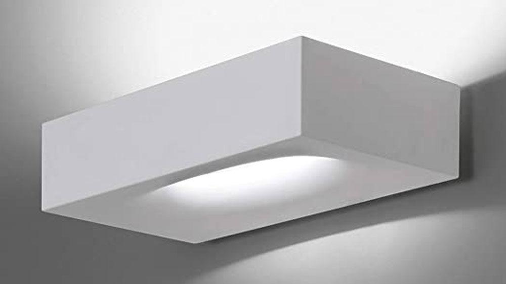 esempio lampada a parete bianca