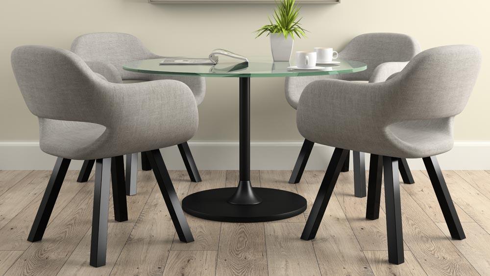 Esempio 4 sedie di design ambientate con tavolino